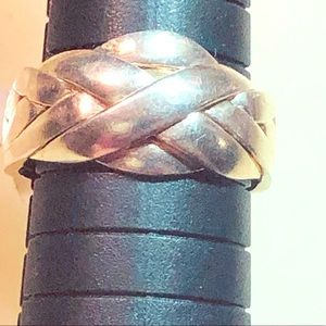 NWT Rare Silver Puzzle Ring! Size 8.